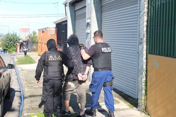 Dos de los detenidos son hermanos. El OIJ los dejó en la Fiscalía.
