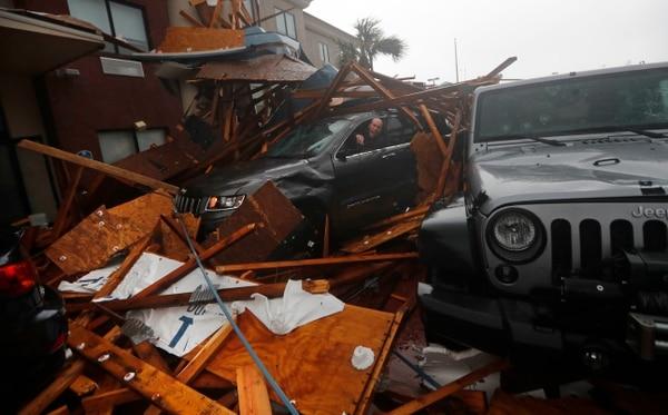 Un hotel en Panama City Beach, Florida, sucumbió ante la fuerza de los vientos del huracán Michael, este miércoles 10 de octubre del 2018.