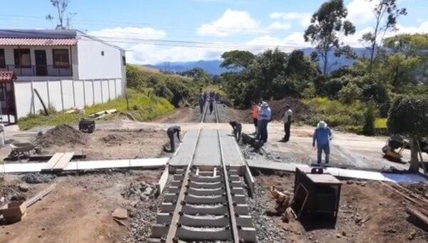 La ruta que conectará Cartago con Oreamuno y Paraíso quedará lista para la llegada de las nuevas locomotoras del Incofer. Fotografía cortesía Incofer.