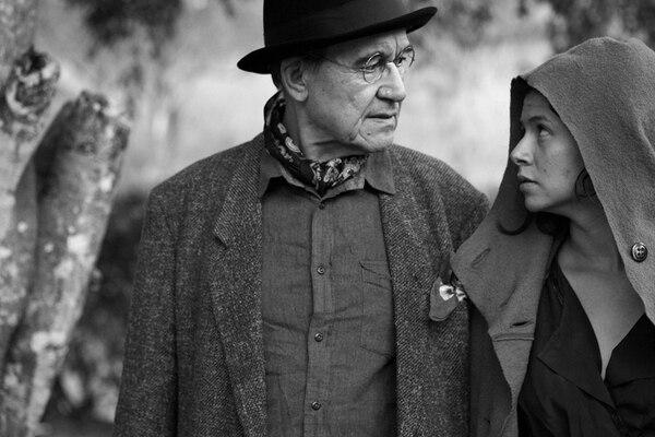 Los actores Rodrigo Durán y Viviana Porras protagonizan la obra de teatro Un artista del sueño . Ellos también dirigen la puesta en escena. Foto: Cortesía de Leonardo Salgado
