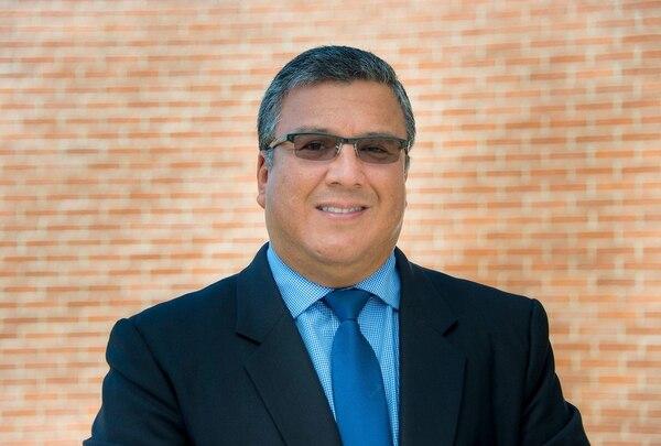 Carlos Araya es máster en Administración de Negocios y tiene un doctorado en Economía, Control y Gestión de Entidades y Políticas Públicas de la Universidad de Granada, España. Foto cortesía UCR.
