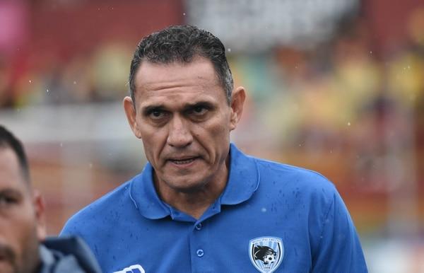 El entrenador de Grecia, Luis Diego Arnáez, tiene bien estudiada a la Liga. Fotografía: Carlos González / Grupo Nación