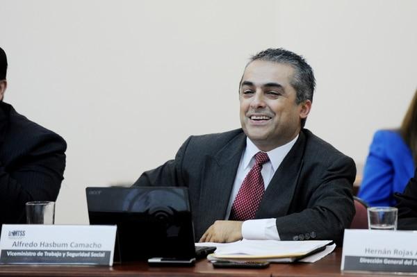 (15-07-2014).Alfredo Hasbum Camacho, director del Servicio Civil. Fotografia Marcela Bertozzi
