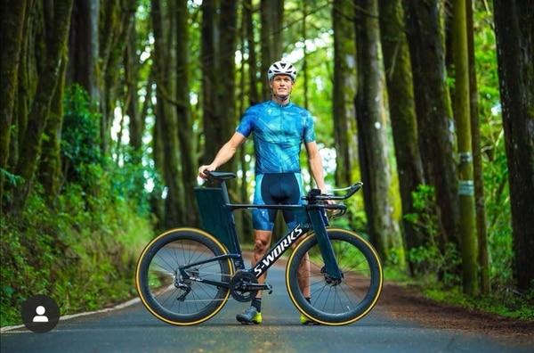 Rom Akerson está entrenando solo mientras decide su futuro. Foto: Cortesía Rom Akerson