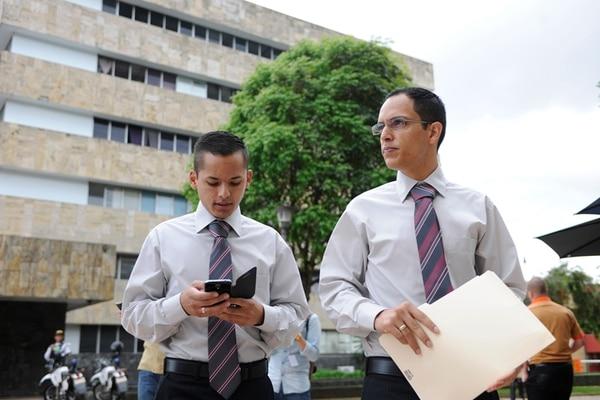 Lorenzo Serrano y Alberto González presentaron su solicitud en los Tribunales de San José. | JORGE NAVARRO.