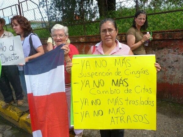 Vecinos realizan protestas en el hospital desde marzo. | ALEJANDRA B.