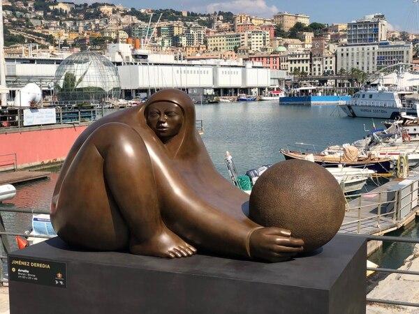 En el Puerto Antiguo, de Génova, se colocaron cuatro obras de Jorge Jiménez Deredia. Cortesía de Giselle Zamora