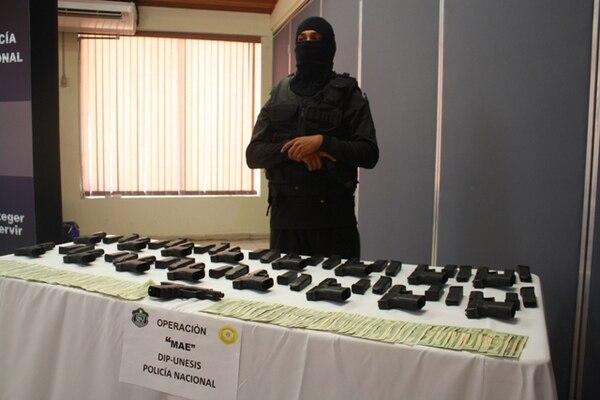 Varias de las armas robadas aparecieron en Panamá.   ARCHIVO.