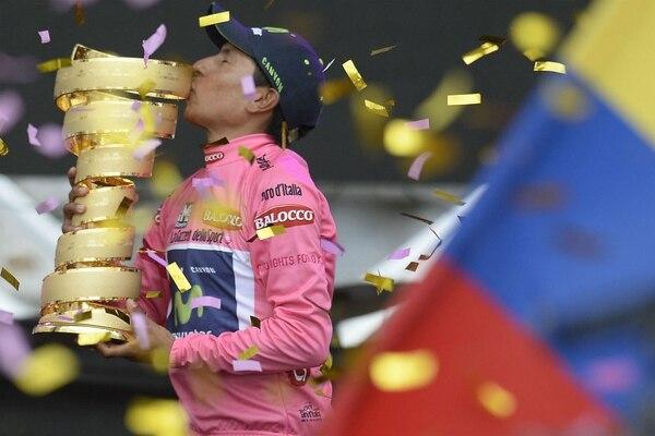 El colombiano Nairo Quintana firmó este domingo la primera victoria de un ciclista sudamericano en las 97 ediciones del Giro de Italia.