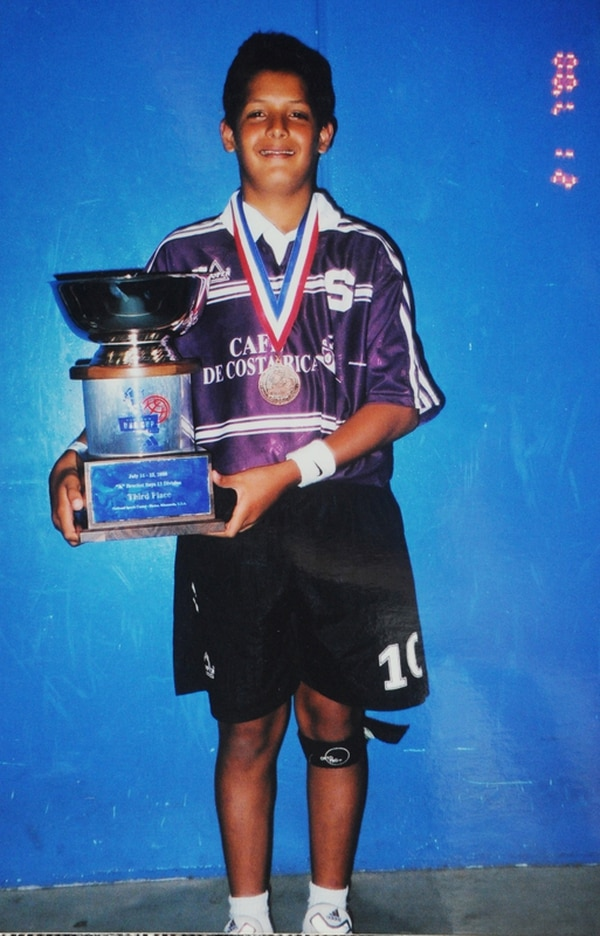 Con 11 años Celso ganó un torneo internacional con Saprissa.   MANUEL VEGA