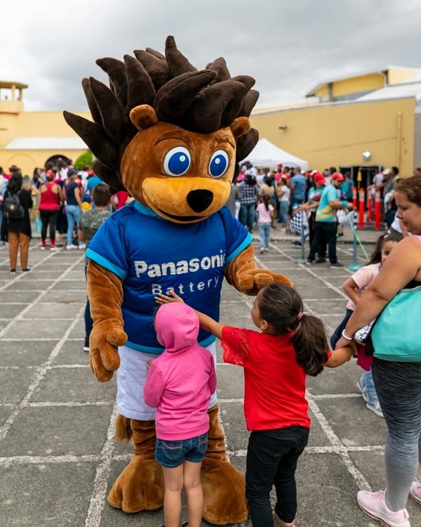 El personaje Leo participó por primera vez en la competencia. Él fue muy bien recibido por los niños y sus familias. Foto: Upgrade Comunicación para LN