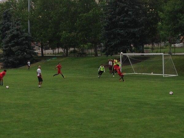 La Selección Nacional se entrenó la mañana de hoy viernes en la cancha de la Universidad de Utah.