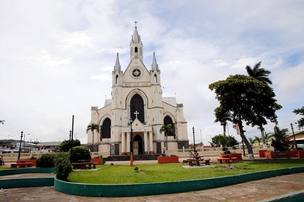 Iglesia de San Rafael de Heredia, vistas internas y externas del edificio que sera restaurado proximamente por la oficina de patrimonio nacional//Carlos Borbon