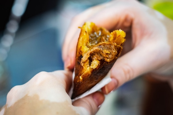 Empanadas de La Empanada, en San José centro, a la vuelta de Chelles, sobre calle 9.