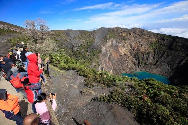La belleza del cráter del volcán Irazú se disfruta aún más al conocer sobre su historia, estructura y topografía. Foto: Rafael Pacheco
