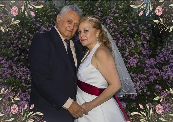 Don Víctor Rugama y doña Cristina Oreamuno hace seis años, el día de su hermosa boda. Foto Cortesía