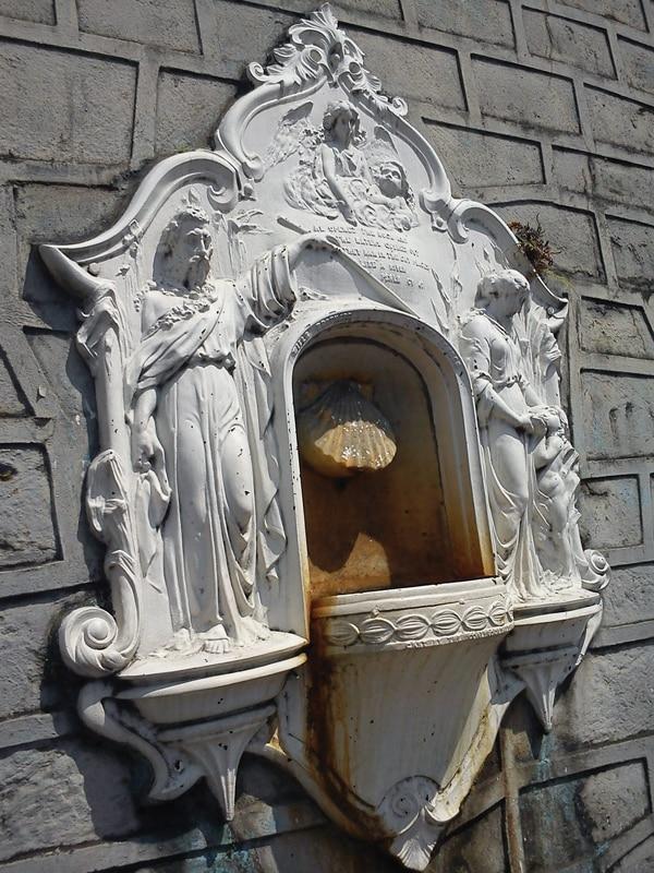 'Fuente de Moisés', ubicada en barrio Aranjuez, cerca del Hospital Rafael Ángel Calderón Guardia. La escultura se instaló en 1868. Fotografía: Sergio Orozco para LN.