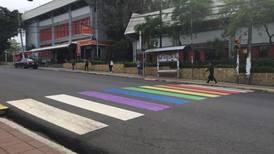 Heredia pinta pasos peatonales de colores a favor de la diversidad sexual