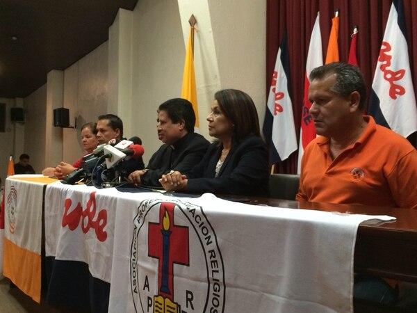 Los líderes sindicales firmaron un pacto con el gobierno para poner fin a la huelga de educacadores.