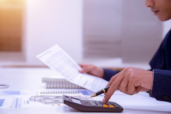 El factoreo permite descontar facturas, letras de cambio, pagarés, contratos y otros tipos de documentos que respalden una cuenta por cobrar. Foto: archivo GN