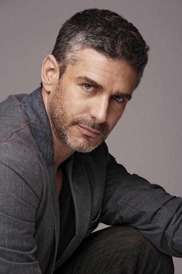 Bruno Freeman (Sbaraglia) es un magnate de la música que aún no supera la muerte de su esposa y el distanciamiento de su hija Ana.   MUNDO FOX PARA TELEGUÍA