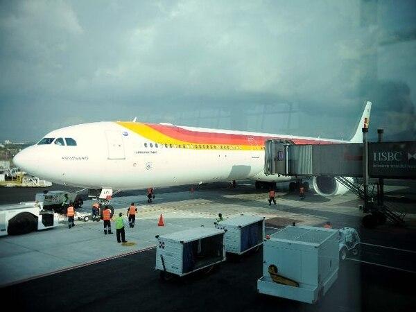 Vuelo de Iberia en el Aeropuerto Juan Santamaría. Foto: Eyleen Vargas