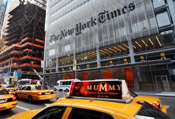 El New York Times se ubica en Manhattan.