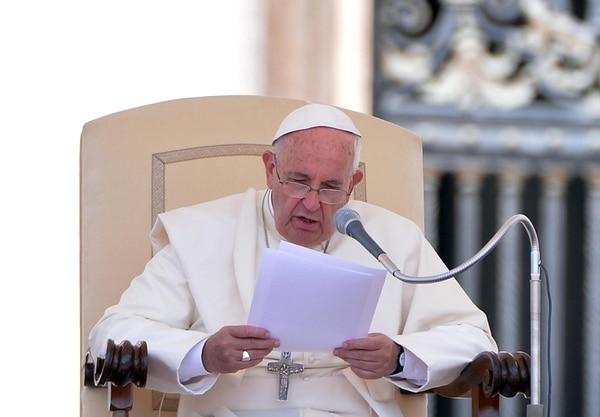 El papa Francisco pronuncia un discurso durante la audiencia general de los miércoles
