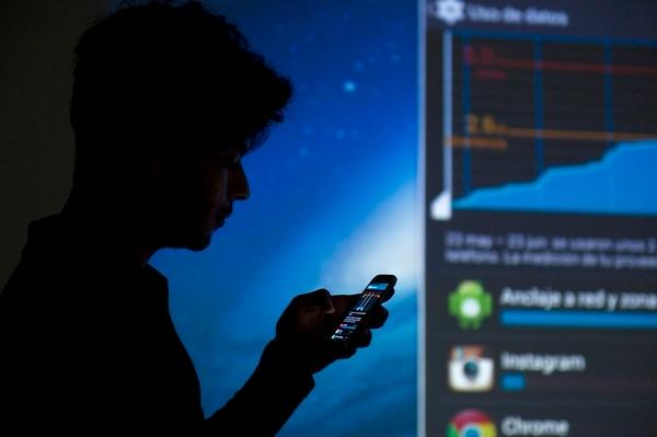 El acceso de la población a la telefonía móvil es una de las fortalezas del país que destacó el índice de competitividad global presentado ayer en Suiza, por el Foro Económico Mundial. | ARCHIVO