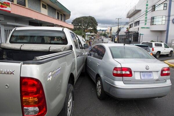 Los involucrados en el accidente podrán mover los vehículos para no provocar presas y llamar a sus compañías de seguros para formalizar la conciliación. | FOTOS CON FINES ILUSTRATIVOS/ LUIS NAVARRO.