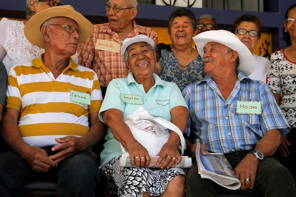 La tendencia en la reducción en el número de nacimientos confirma cada año el envejecimiento acelerado de la población costarricense. Alrededor de un 12% tiene más de 60 años. En el 2050, serán el 30%. MAYELA LÓPEZ