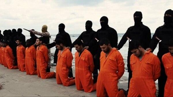 """El video fue difundido en foros yihadistas con el título de """"Un mensaje firmado con sangre para la nación de la cruz""""."""