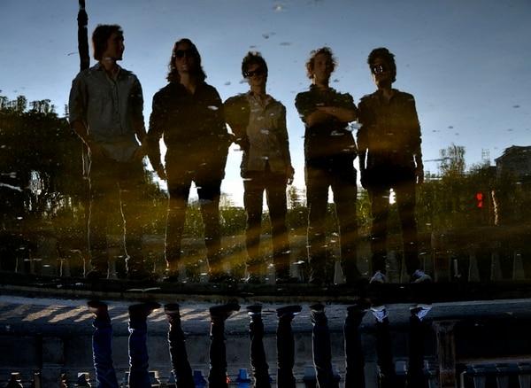 Cita nocturna.lSíndrome de Estocolmo tocará por primera vez con Los Reverbs. Kristina Pérez para LN