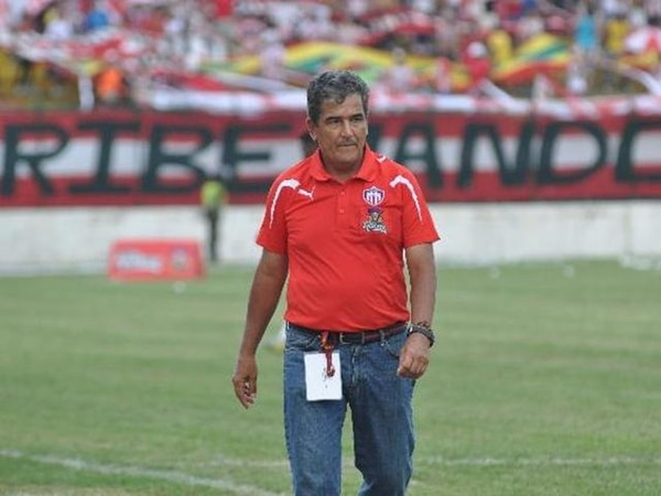 El colombiano Jorge Luis Pinto regresará al banquillo de la Tricolor después de que la condujo entre 2004 y 2005. Aquí aparece con la camisa del Junior de Barranquilla, su último equipo. | EL HERALDO DE BARRANQUILLA / PARA LA NACIóN
