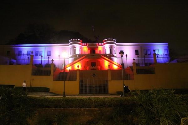 El Museo Nacional será el escenario del último encuentro de la presidenta con sus colaboradores más cercanos. Su fachada oeste lucirá iluminada.