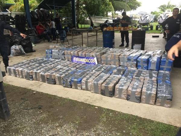 El decomiso de dos toneladas de cocaína en un navío de navegación somera es el más grande decomisado en lo que va de este año. Foto: MSP