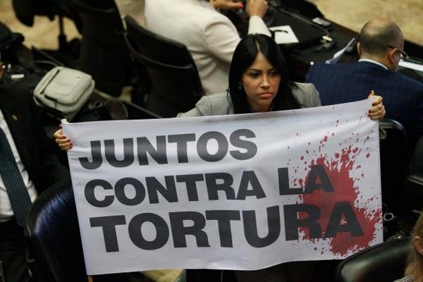Delsa Solórzano, diputada opositora, denunció actos de tortura por parte del gobierno de Nicolás Maduro. Lo hizo el martes 16 de julio del 2019 en una sesión de la Asamblea Nacional en Caracas.