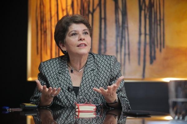 Marta Acosta, contralora General de la República hizo un llamado urgente a enfrentar el problema fiscal. Foto Jeffrey Zamora
