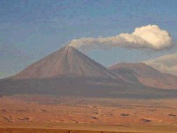 Microbios de Atacama, clave para la vida