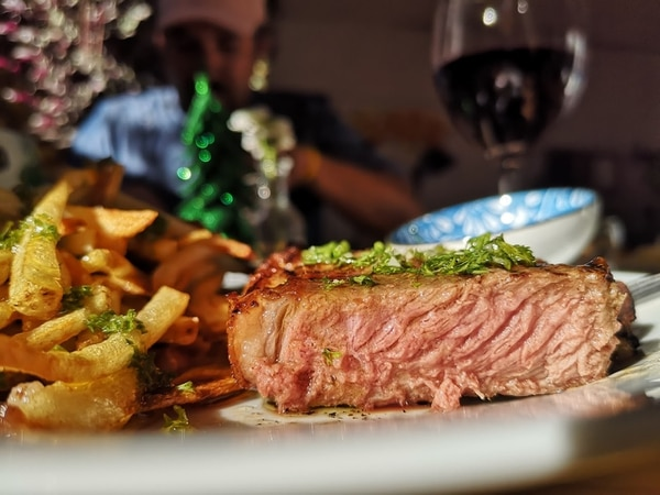 Esta carne se corta con los dedos. Foto: Osvaldo Calderón