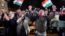 Hungría otorga un tercer mandato al primer ministro Víktor Orban
