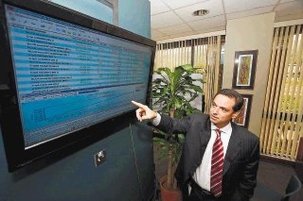 José Rafael Brenes, gerente general de la Bolsa Nacional de Valores, mostró su preocupación por la limitación a la deducción de intereses para empresas que se endeuden en el mercado bursátil. BNV PARA LN.