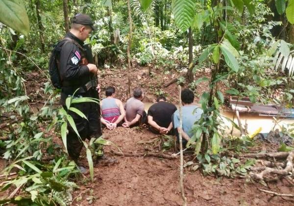 La Fuerza Pública detuvo a un grupo de oreros. Se investiga la extracción ilegal del recurso, entre otros hechos.