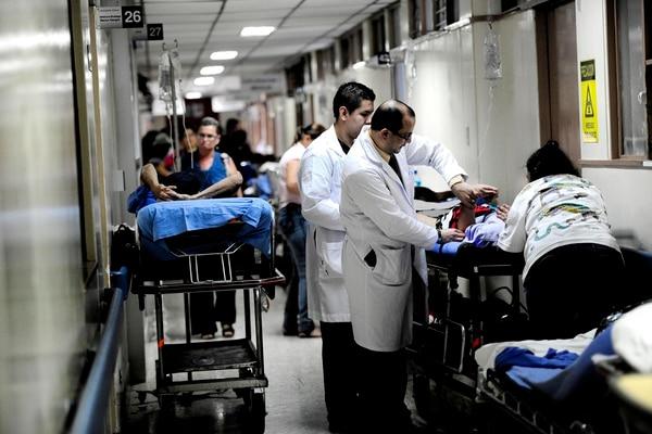 El Hospital San Juan de Dios enfrentó un colapsó en el servicio de Emergencias esta semana.