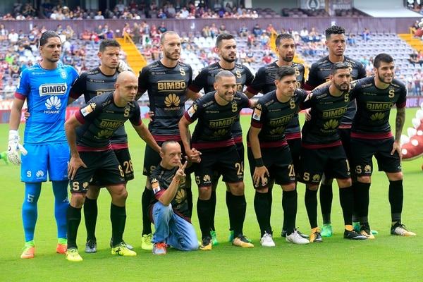 Saprissa estrenó esta vestimenta el domingo pasado en el juego ante Limón. ab82d8f2797f9