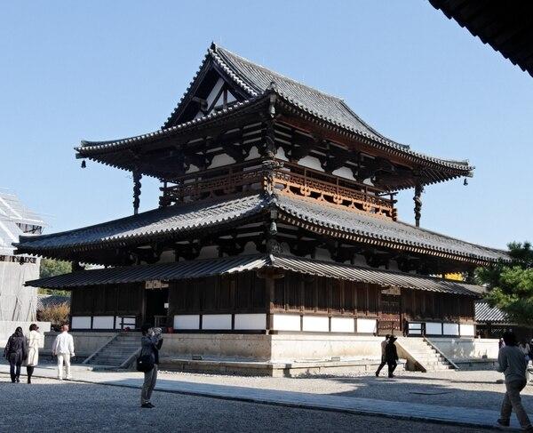 El edificio de Kondo es parte del templo Horyu-ji, en Japón, que obtuvo el récord Guinness como la edificación de madera más antigua del mundo.