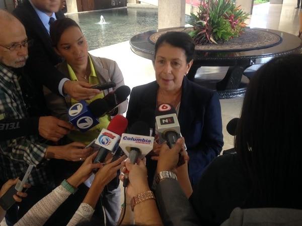 La ministra de Educación, Sonia Marta Mora, declaró este viernes que tiene propuestas concretas para negociar con los dirigentes del Magisterio Nacional.