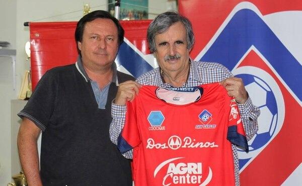 Orlando de León llega al cuadro norteño con la idea de lograr su sexto ascenso a Primera División.