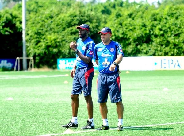Paulo César Wanchope (izquierda) nombró a Luis Marín (derecha) como su asistente para la Selección Sub-23. Wanchope adelantó que Marín lo acompañará en la Mayor. | ARCHIVO, MEYLIN AGUILERA
