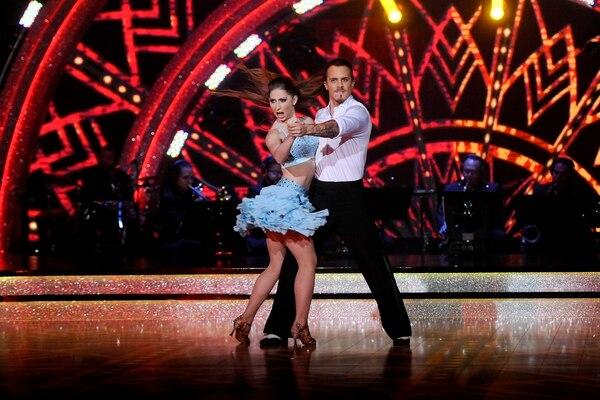 Sorpresa. El chef Daniel Vargas bailó con Lucía Jiménez y juntos obtuvieron el puntaje más alto de la noche. Melissa Fernández